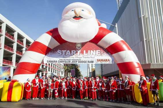 Start Line for Las Vegas Great Santa Run