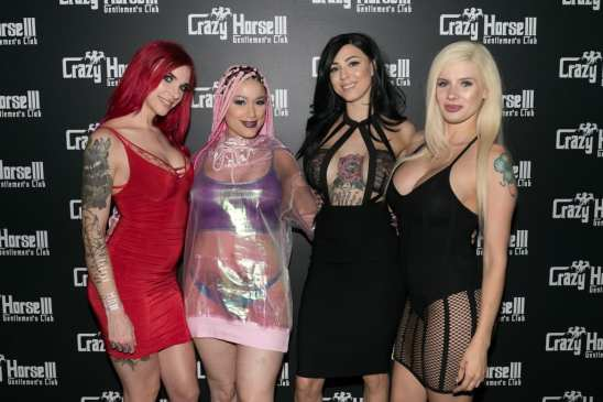 Daizha Morgann and Friends on the Crazy Horse III Red Carpet