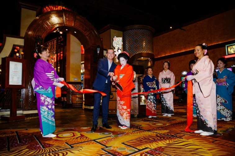 Silverton President Ron Kunkle at Su Casa ribbon cutting ceremony