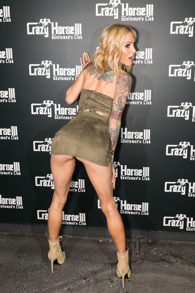 Sarah Jessie on Crazy Horse 3 Red Carpet