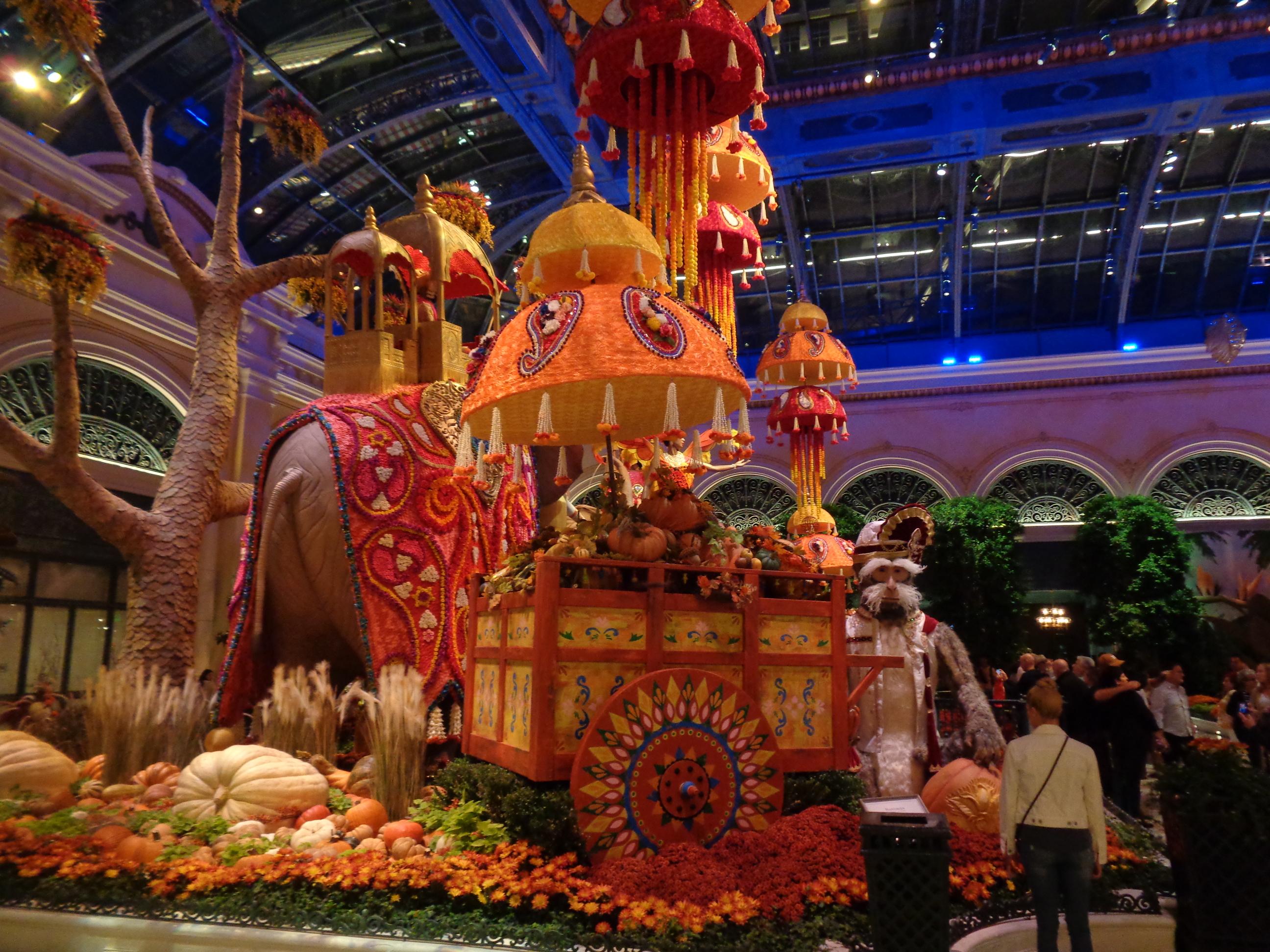 Bellagio Atrium Christmas 2020 Bellagio Conservatory Reduces the Number of Displays in 2020
