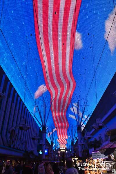 Viva-Vision-Light-show-fremont-street-experience-5ws