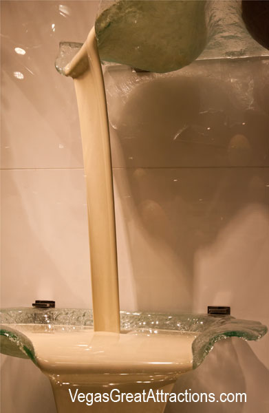 White chocolate fountain at Bellagio