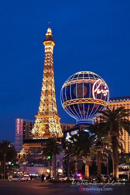 Eiffel Tower at Paris Las Vegas at night
