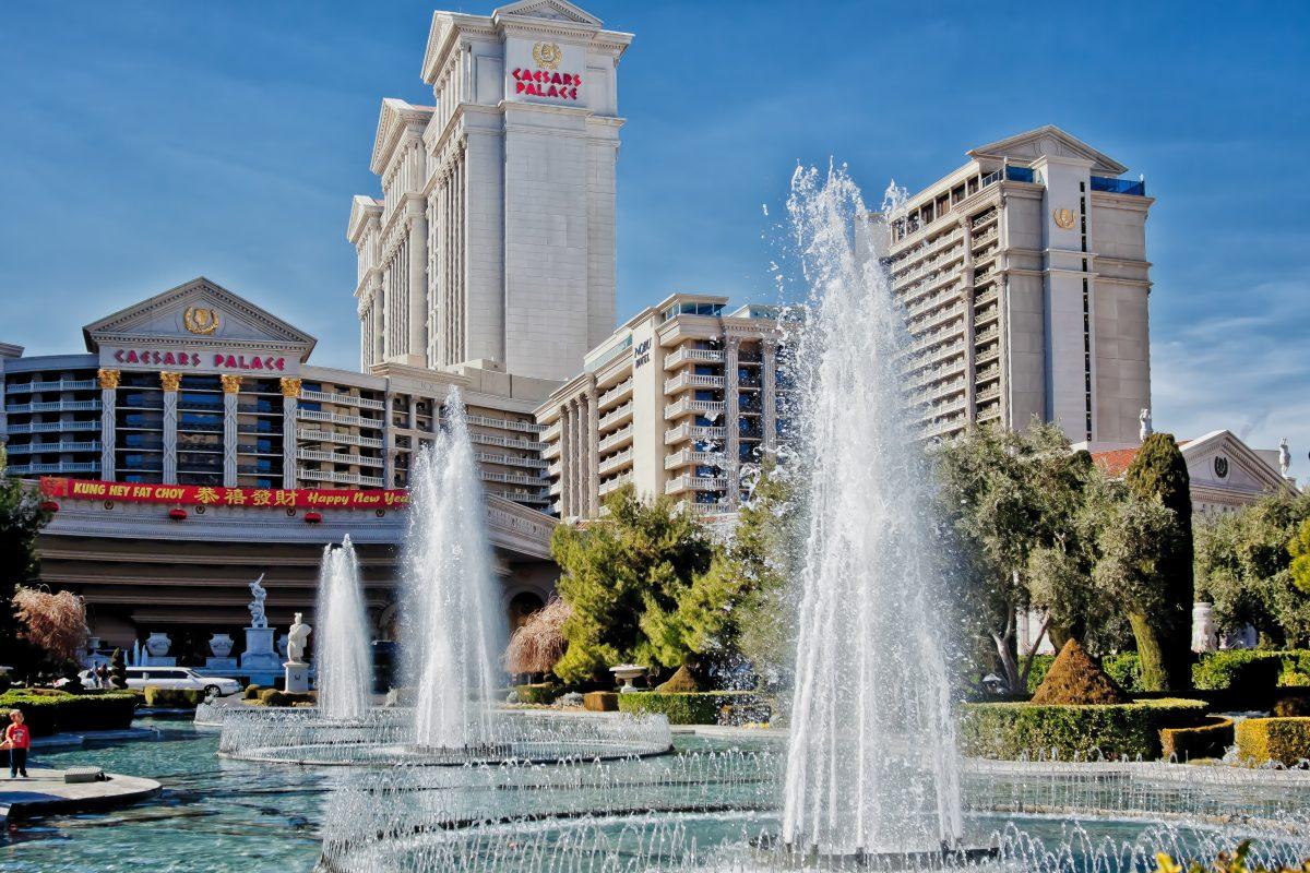 Caesars Palace Fountain Vegasgreatattractions Com