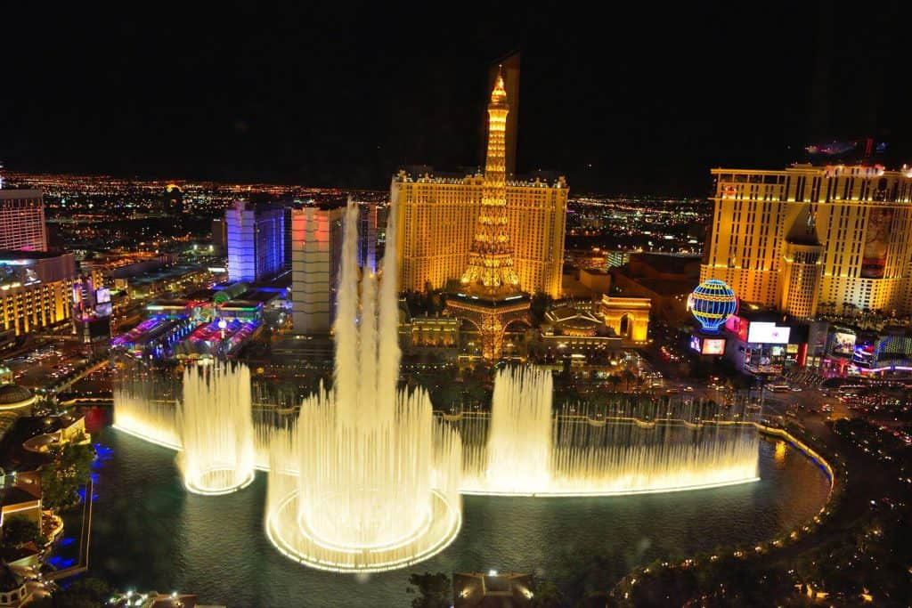 Fountains of Bellagio - Things to do in Las Vegas for Couples