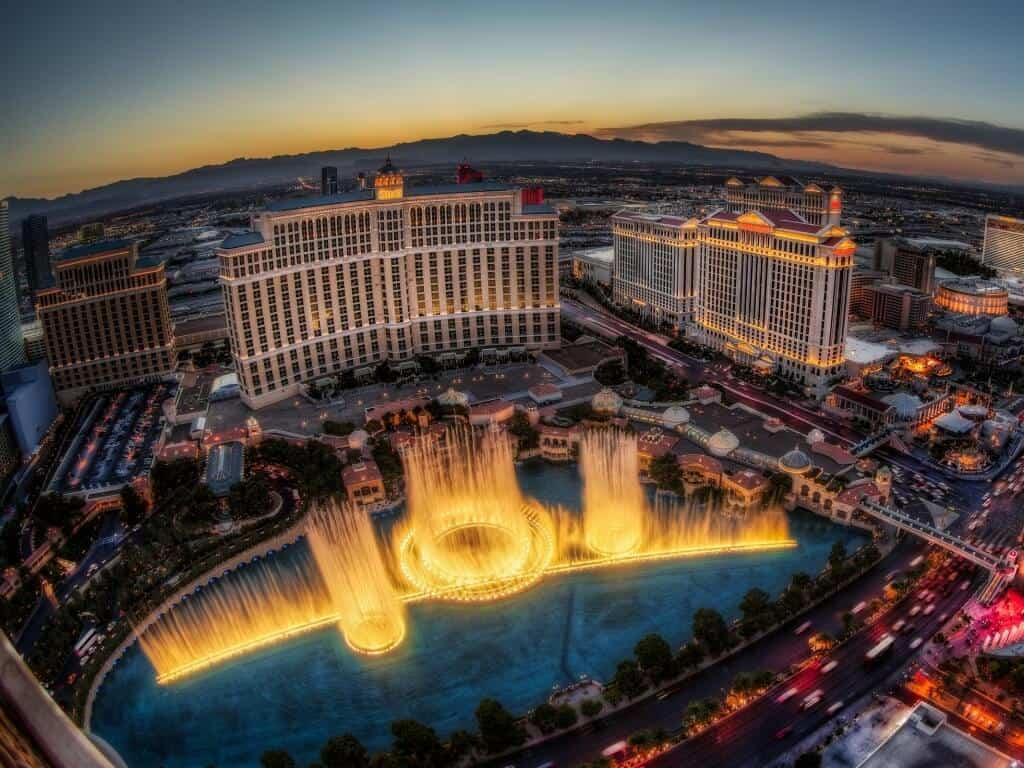 Fountains of Bellagio - Las Vegas Free Things to do