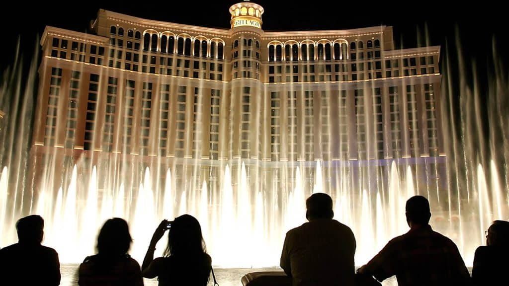 Fountains of Bellagio Show - Free Shows in Vegas