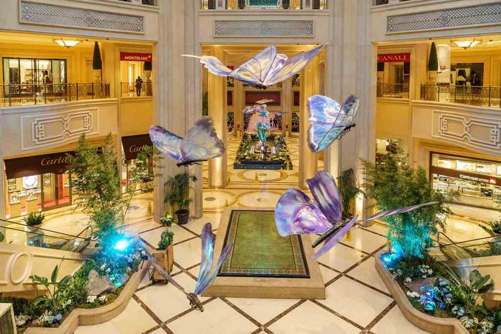 Palazzo Waterfall Atrium - Things to do in Las Vegas Strip