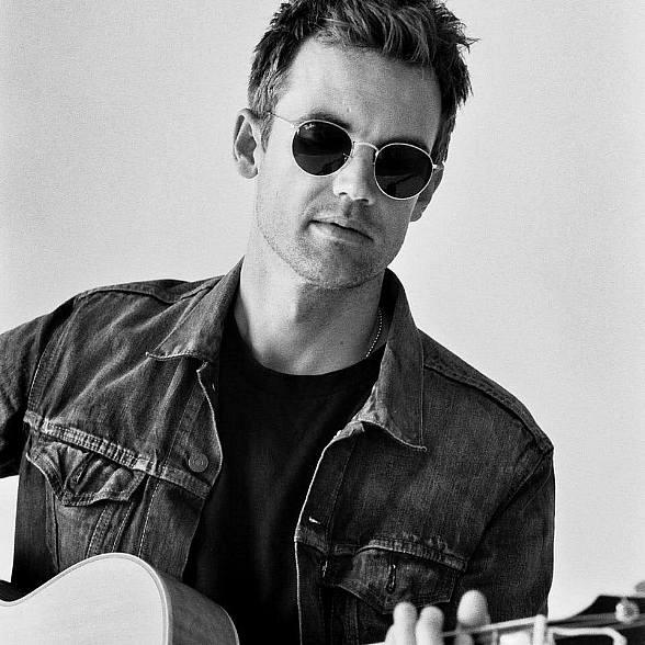 """""""One Tree Hill"""" star Tyler Hilton Brings the """"City on Fire Tour"""" to B Side at House of Blues Las Vegas Aug. 25"""