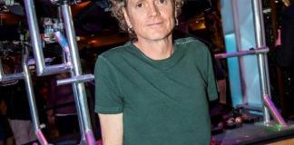 Rick Allen Poses with Custom Drum Kit at Hard Rock Hotel & Casino