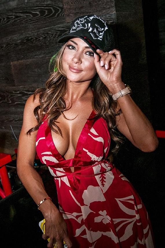 """UFC Ring Girl Arianny Celeste Hosts """"Sexy de Mayo Dos"""" Fiesta at Tacos & Tequila with FANTASY and Jabbawockeez"""