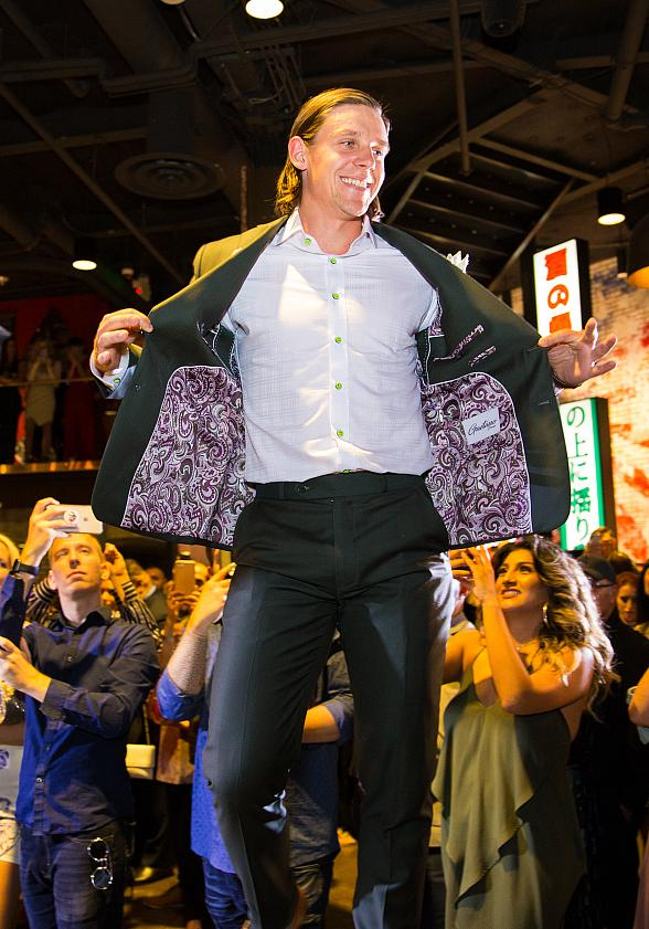 Sake Rok Hosts Vegas Strong Charity Fashion Show Featuring the Vegas Golden Knights Players