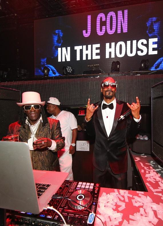 Fabolous and Snoop Dogg perform at TAO on Fight Weekend