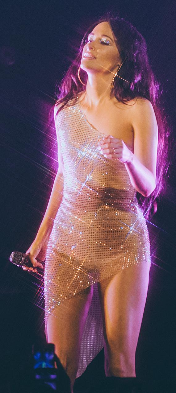 """Kacey Musgraves Celebrates Her Birthday and Kicks off """"Oh, What a World: Tour II"""" at The Cosmopolitan of Las Vegas"""