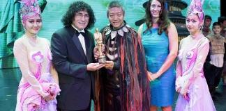 PANDA! Performer Boran Yu Honored with Merlin Award by from the International Magicians Society at The Palazzo Las Vegas