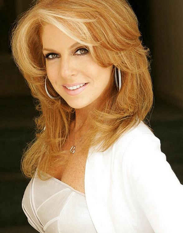 """Kelly Clinton in """"Freckled For Life"""" at the Suncoast Showroom April 28-29"""