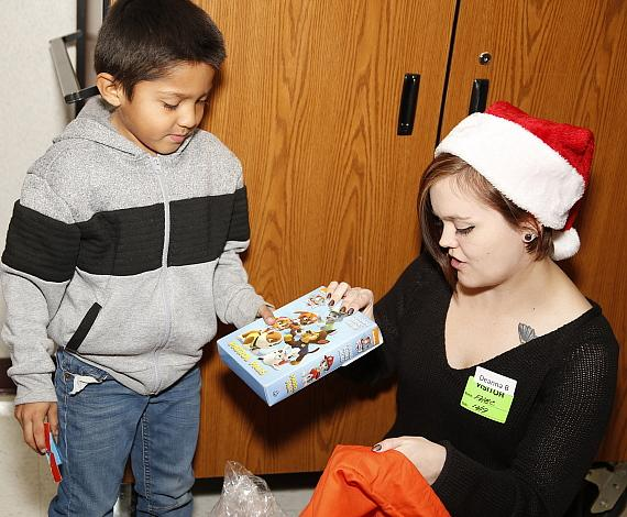 """Las Vegas Hospitality Association Delivered More Than 500 """"Bags of Cheer"""" to Children in Need"""