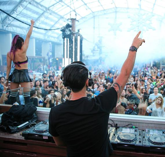 Marquee Dayclub Dome New Year's Day Pool Party; Daddy Kat Kicks off his Residency at TAO