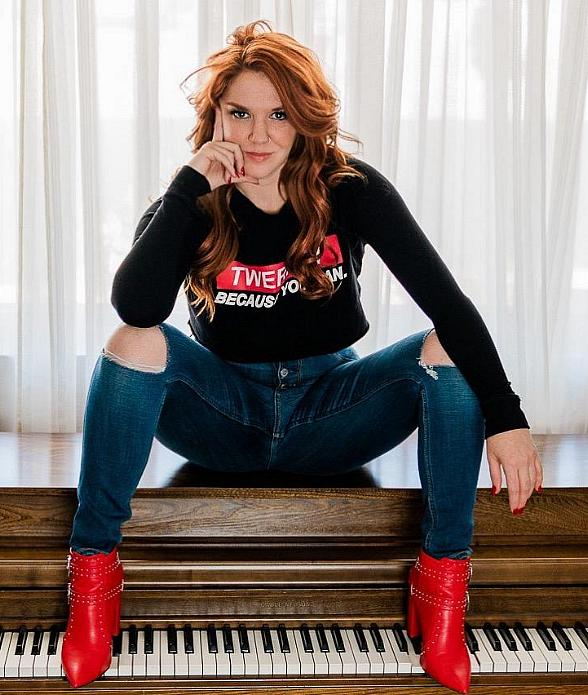 Las Vegas Performer Sarah Hester Ross Returns from a Successful Run at the Orlando Fringe Festival with Her Original Production of