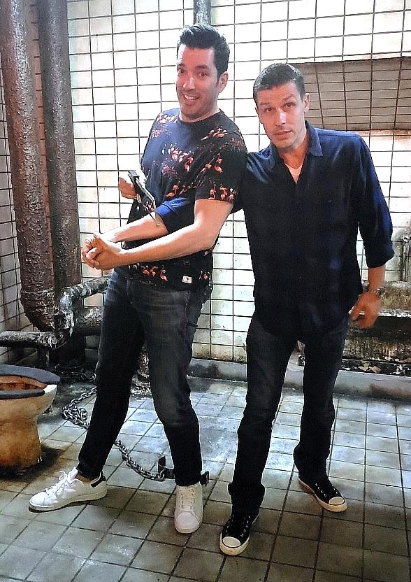 "Jonathan Scott of HGTV's ""Property Brothers"" Visits Jason Egan's Official SAW Escape Experience in Las Vegas"