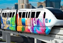 Las Vegas Monorail to Stay Open 43 Hours Straight for New Year's Revelers, Offers Lyft Credit for Visitors, $1 Fares for Locals