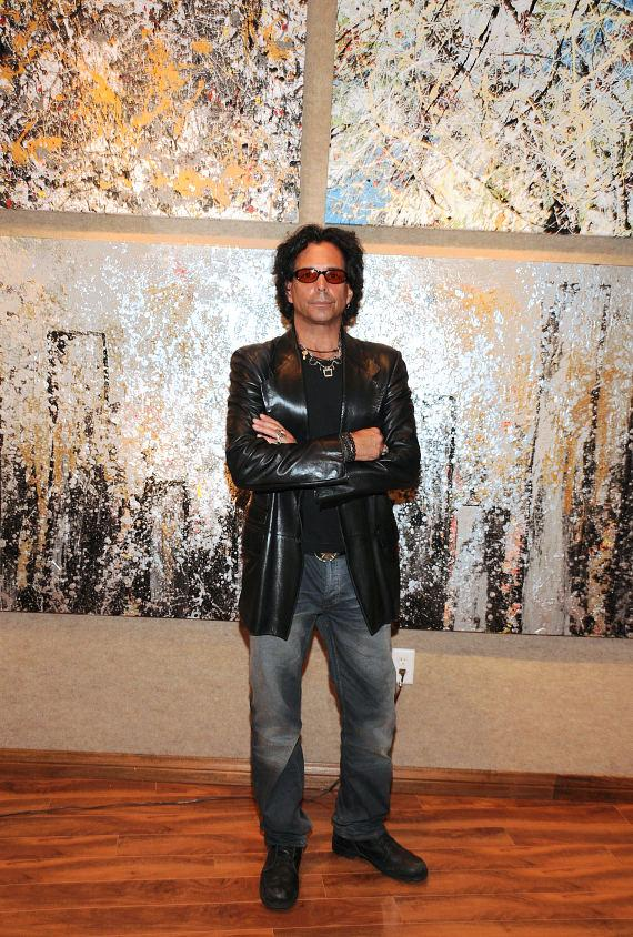 "Richard Grieco ""Works on Canvas"" Art Exhibit at Wyland Galleries"