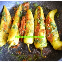 Stuffed Banana Peppers / Gutti Mirapakaya