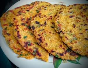 Makki Mooli Methi Paratha Recipe