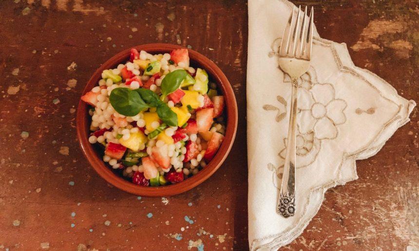 Salade de fraises et couscous perlé