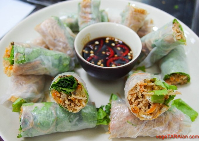 Hanoi cooking class - rice paper rolls