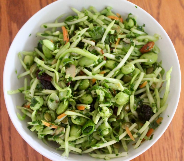 Great greens salad slaw recipe by Vegetarian Atlas.