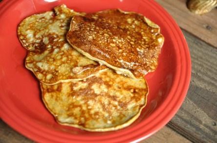 How To Make Banana Pancakes (3 Ingredients)