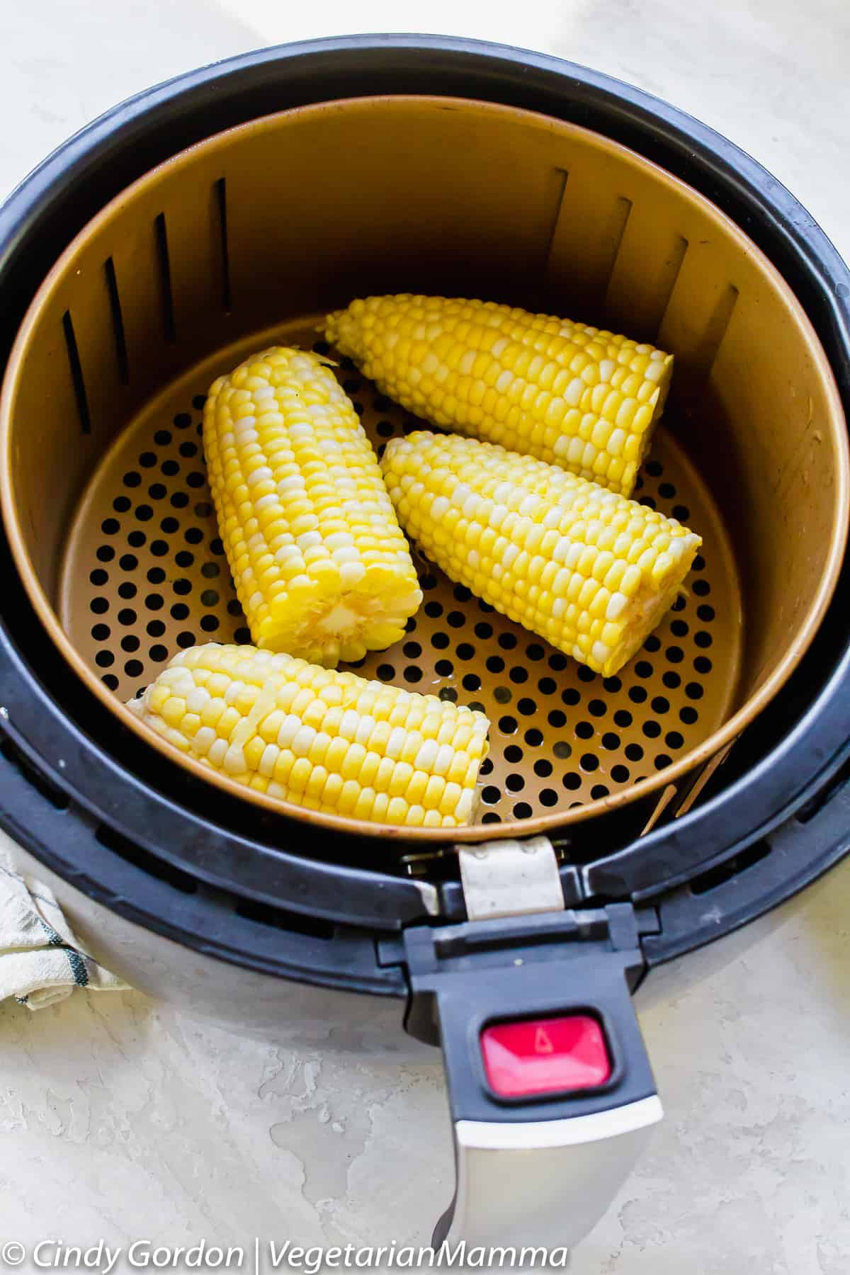 Corn on the cob can be made in an air fryer.