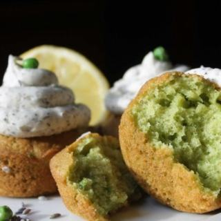 Pea Cupcakes (Pea Lemon Cupcakes with Earl Grey Buttercream) | Veggie Desserts Blog