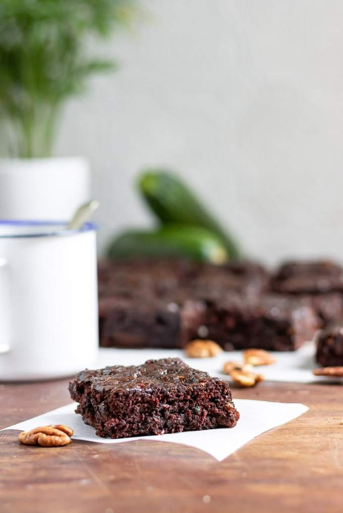 Chocolate, Courgette (zucchini) and Pecan Brownies (vegan) | Veggie Desserts