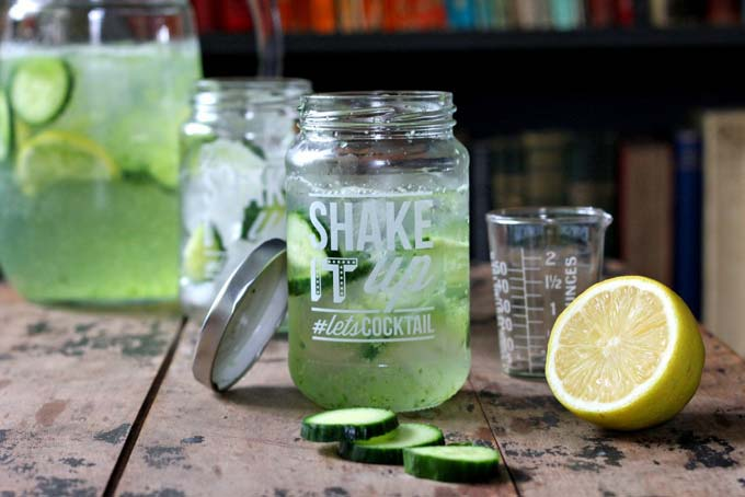 Let's get drunk on salad, shall we? Cucumber Gin and Tonic - add pureed cucumber to your G&T for a refreshing, fresh flavour! | Veggie Desserts Blog