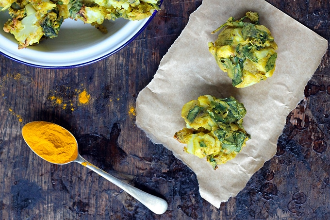 Cauliflower and Spinach Pakoras | Vegan, Gluten-Free | Veggie Desserts Blog