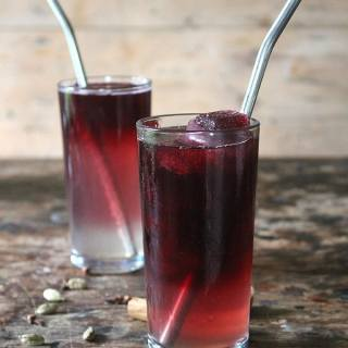 Mulled Gin Cocktail with Mulled Wine Ice Cubes | Veggie Desserts Blog