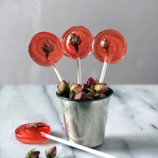 Mint Rose Lollipops | Veggie Desserts Blog