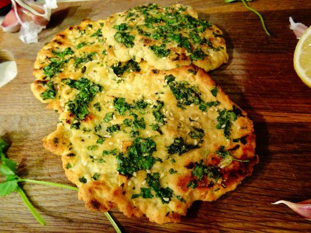 Vegan garlic flatbreads