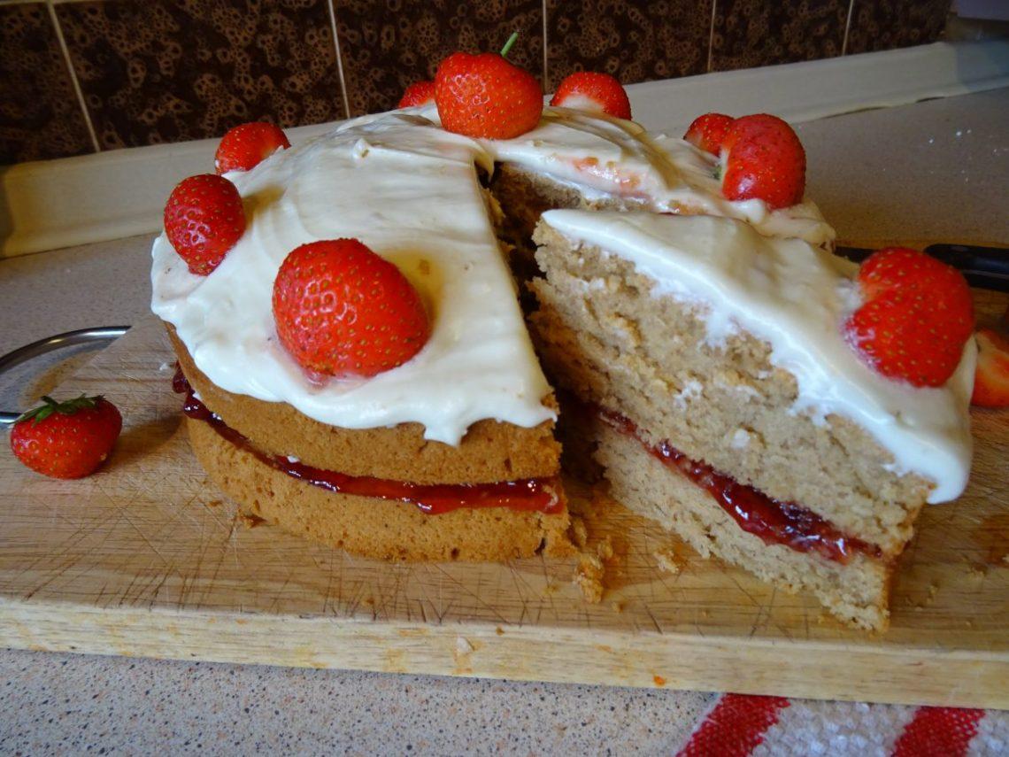 The Best Vegan Victoria Sponge Cake Ever