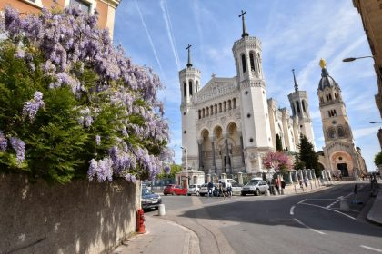 Lyon basilica with flowers