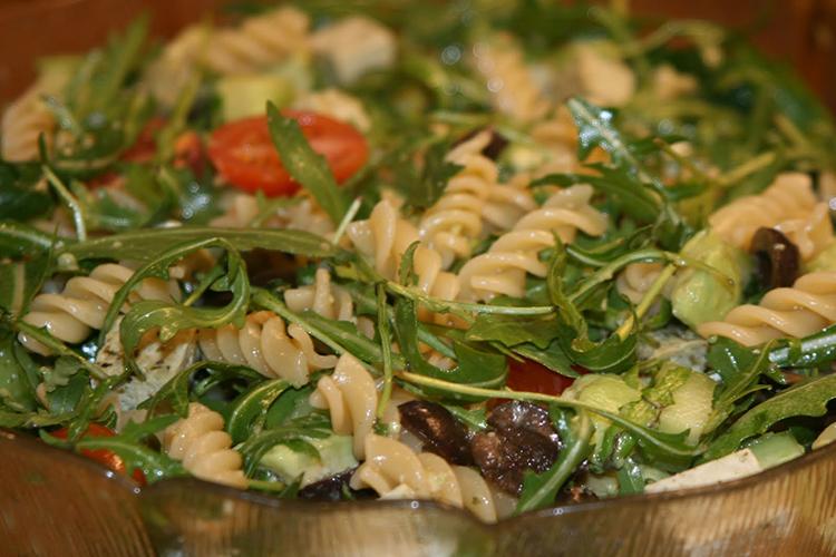 Glasskål med pastasallad
