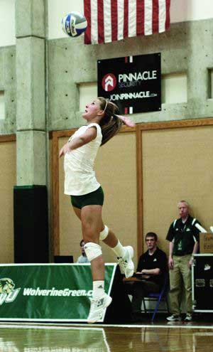 Volleyball tops BYU-Hawaii in three sets