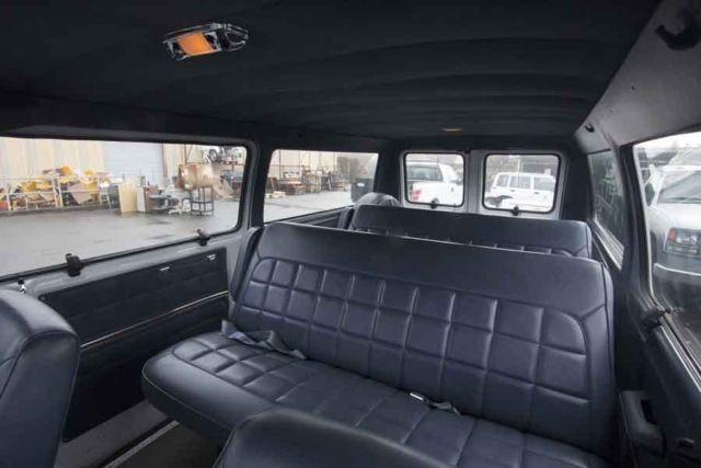 1990 Ford Club Wagon Van 72 813 Miles 2 Rear Bench Seat