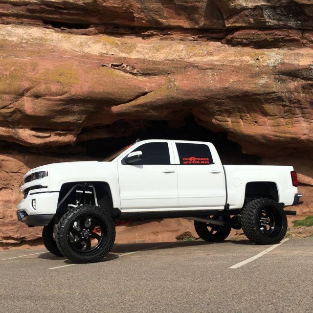 Rock Lights Trucks