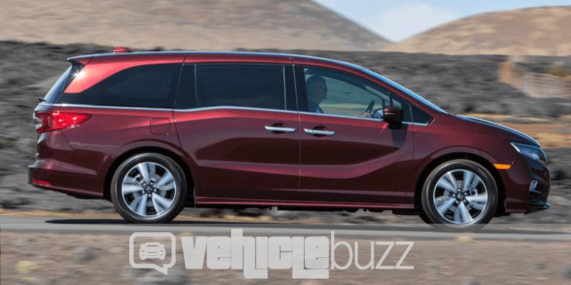 photograph of 2018 Honda Odyssey driving through desert