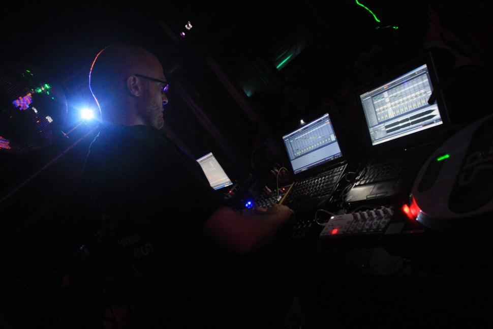 Hyboid DJ Set