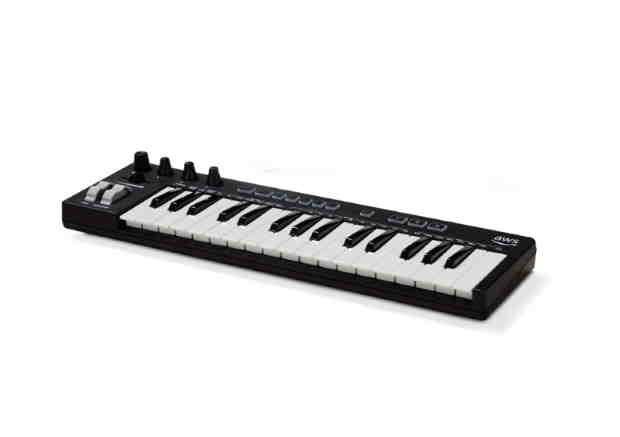 DeepComposer, le clavier piano d'AWS gavé d'IA pour les développeurs (les compositeurs en rigolent encore) – ZDNet France